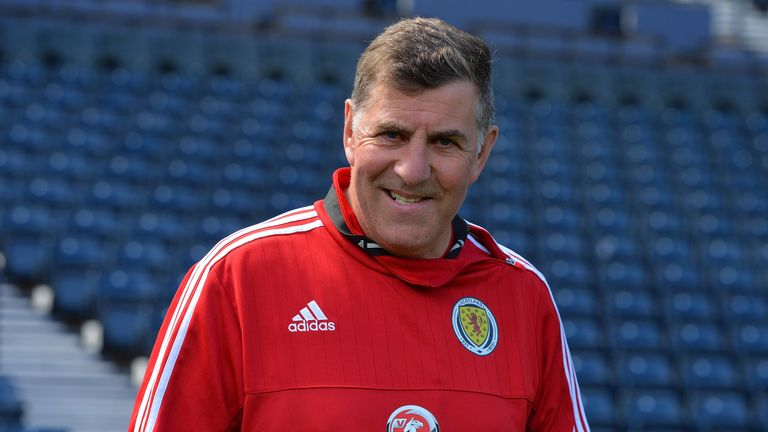 Mark McGhee is the new manager of Barnet
