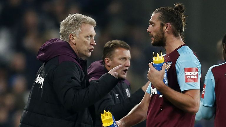 David Moyes speaks to Andy Carroll at the London Stadium