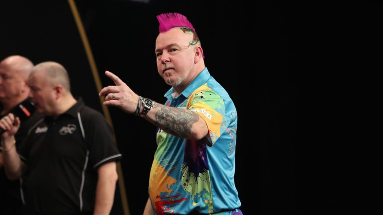 BWIN GRAND SLAM OF DARTS 2017.CIVIC HALL,.WOLVERHAMPTON.PIC;LAWRENCE LUSTIG.QUARTER-FINAL.GLEN DURRANT V PETER WRIGHT.PETER WRIGHT IN ACTION