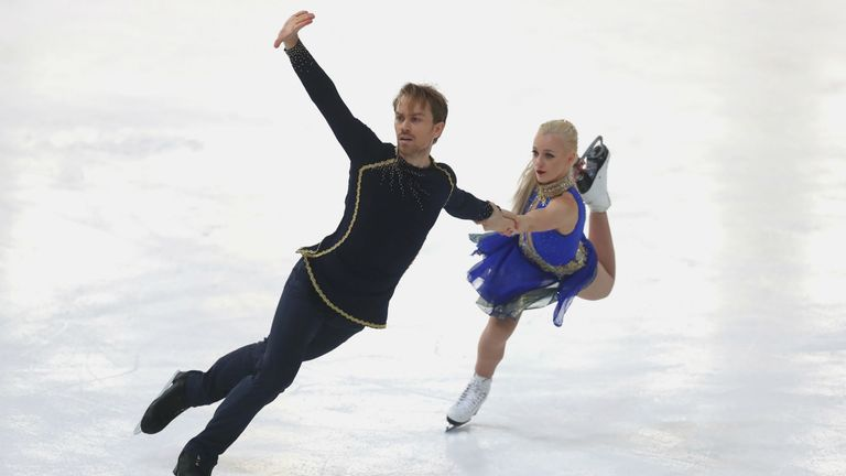 Coomes and Buckland competing at the Nebelhorn Trophy