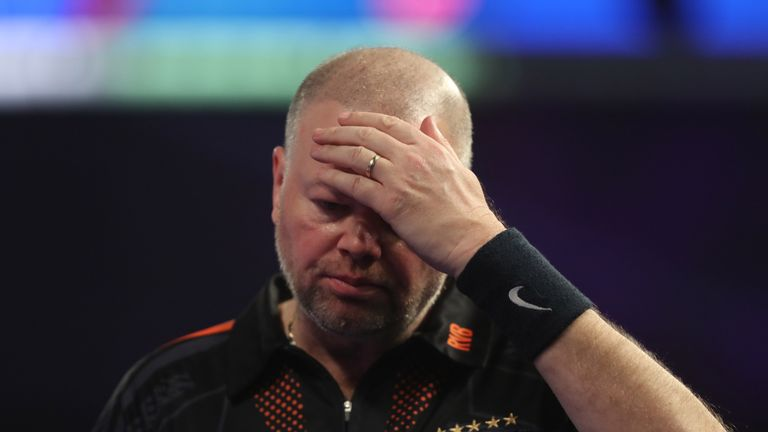 Raymond van Barneveld's struggles continued after defeat to Mervyn King
