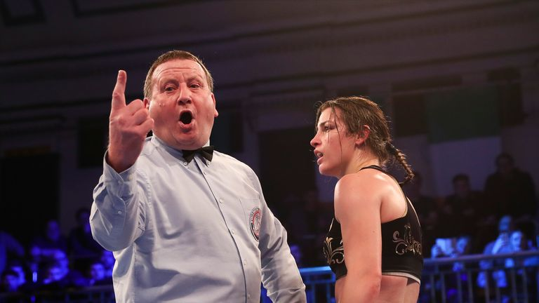 Howard Foster deducts Katie Taylor a point in the sixth