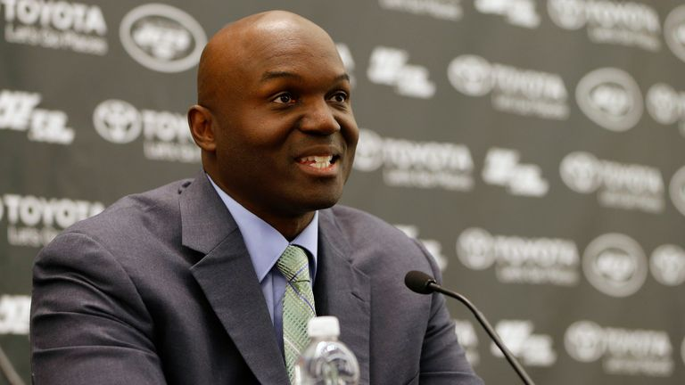 Jets extend contracts of head coach Todd Bowles and GM Mike Maccagnan