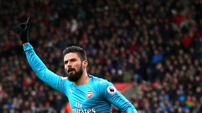 Olivier Giroud is expected to leave the Emirates if Aubameyang arrives at Arsenal