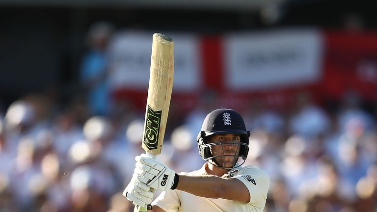 PERTH, AUSTRALIA - DECEMBER 14:  Dawid Malan of England brings up his century during day one of the Third Test match of the 2017/18 Ashes Series between Au