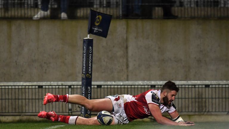 Stuart McCloskey of Ulster scores a try during the European Rugby Champions Cup match against Harlequins
