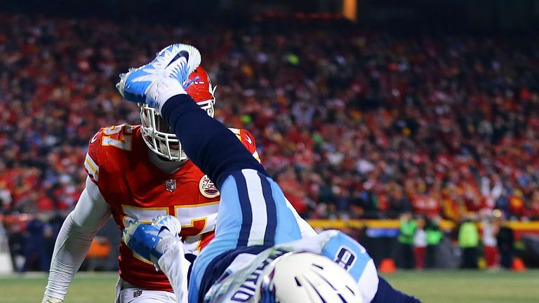 Eric Decker makes a play, Titans take the lead