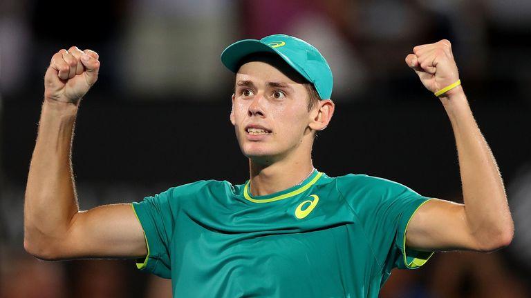 Alex de Minaur celebrates reaching the Sydney final