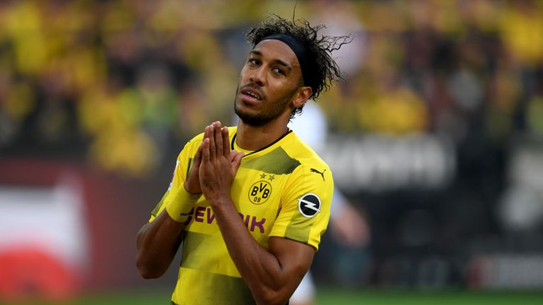 Arsenal remain in talks with Borussia Dortmund for Pierre-Emerick Aubameyang