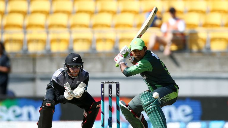 Pakistan finally fire to set Black Caps tough T20 target
