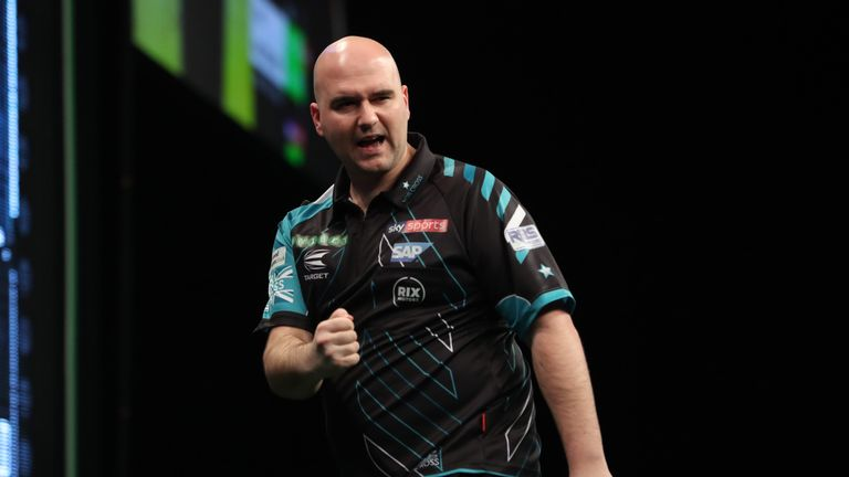 World champion Rob Cross battled through to the last 32