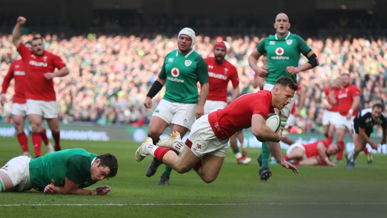 Wales' Gareth Davies scores a try during the Six Nations match