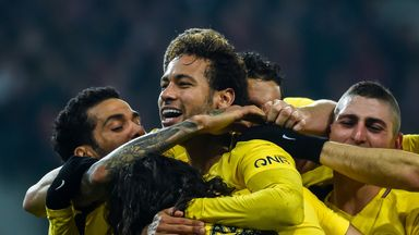 Neymar (C) celebrates scoring for PSG