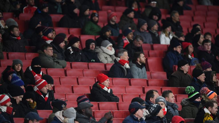 Seven per cent of AST members say Wenger should decide his own future