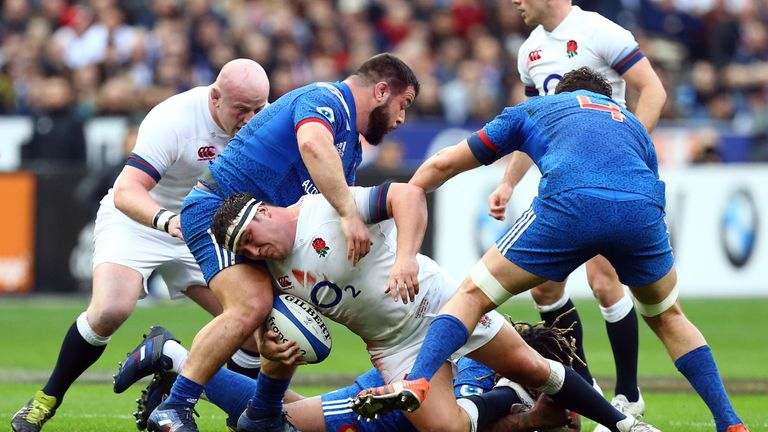 England struggled at the breakdown against France