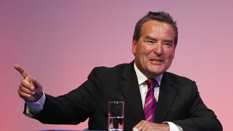 Jeff Stelling played a role in Singh's takeover bid