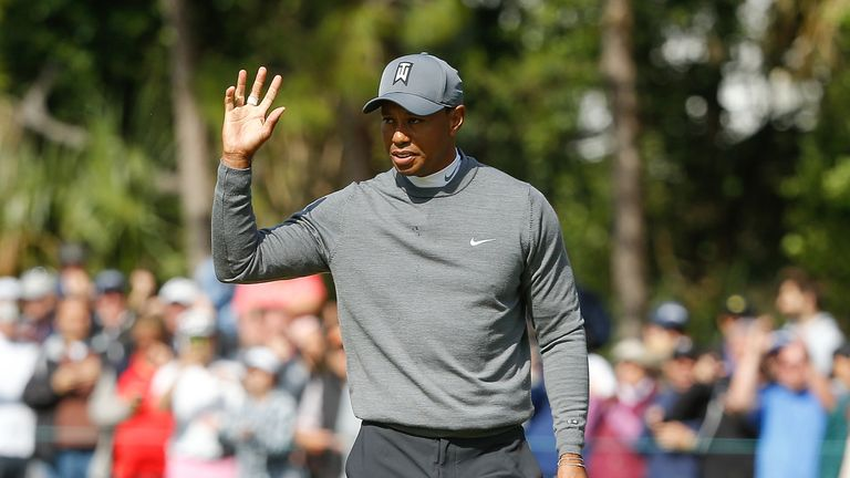 Tiger Woods staged an entertaining finish to his first round
