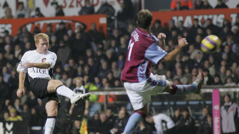 Paul Scholes scores thunderbolt against Aston Villa.