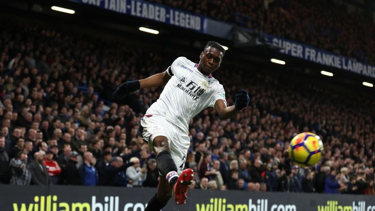Crystal Palace boss Hodgson delighted with new Wan-Bissaka contract