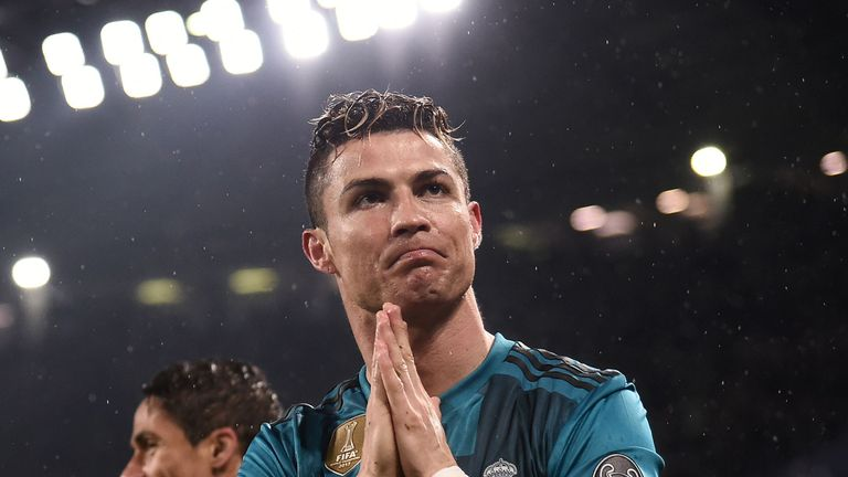 Zinedine Zidane's stunned reaction sums up Cristiano Ronaldo's ridiculous wonder
