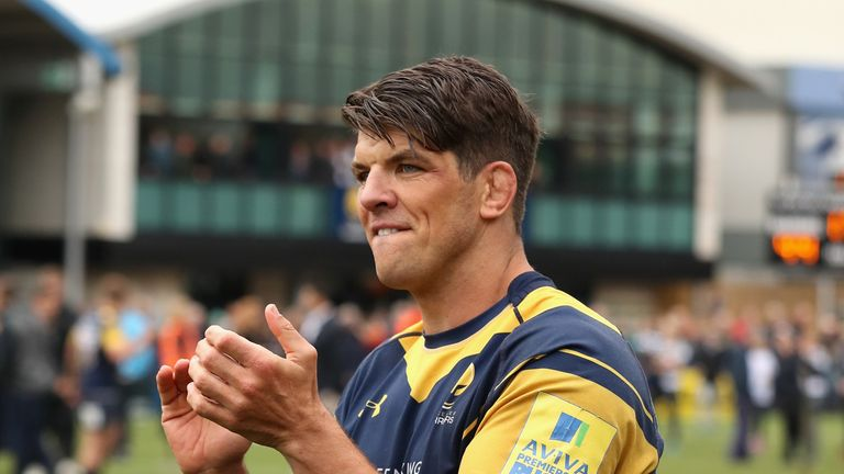 Donnacha O'Callaghan applauds the Sixways crowd after his final appearance