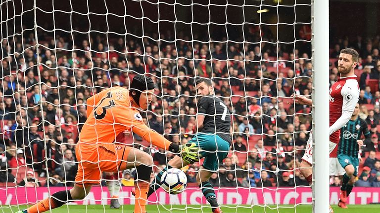 Shane Long opened the scoring for Southampton against Arsenal after 17 minutes