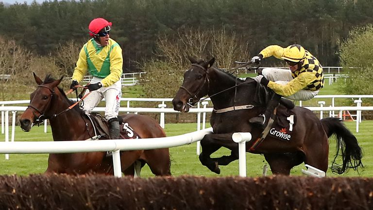 Al Bourm Photo ridden by Jockey Paul Townend (right) collides with Finian's Oscar ridden by Jockey Robbie Power (left) during day one of the Punchestown Festival 2018 at Punchestown Racecourse, County Kildare. PRESS ASSOCIATION Photo. Picture date: Tuesday April 24, 2018. See PA story RACING Punchestown. Photo credit should read: Niall Carson/PA Wire