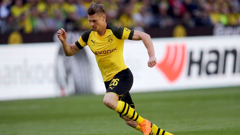 Lukasz Piszczek in action against Mainz 05 in the club's final home game of 17/18