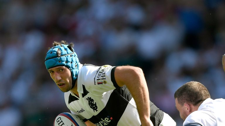 Justin Tipuric added fluidity to the Barbarians' performance