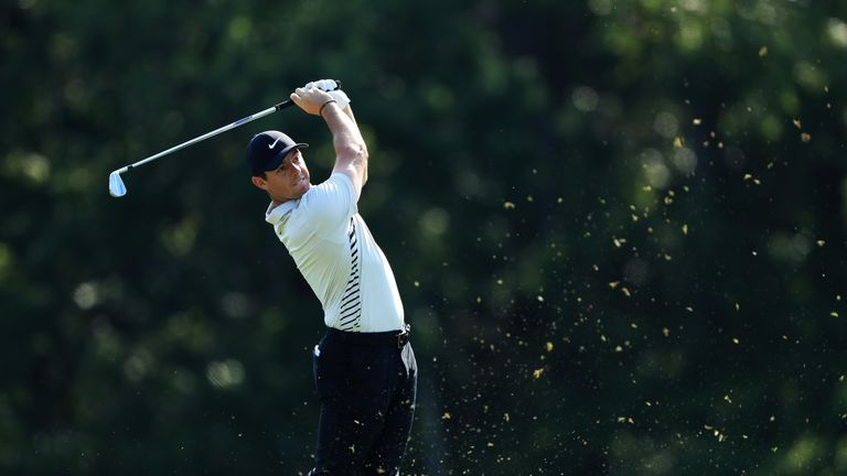 Simpson takes five shot lead after record round