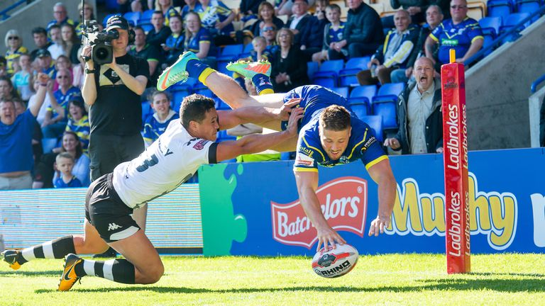 Tom Lineham spectacular finish was one of three for him and 12 for the Wolves on Sunday