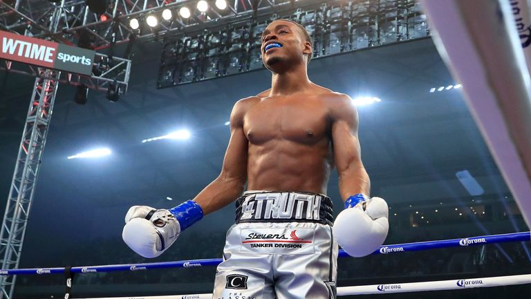Errol Spence Jr knocks out Carlos Ocampo to maintain unbeaten record