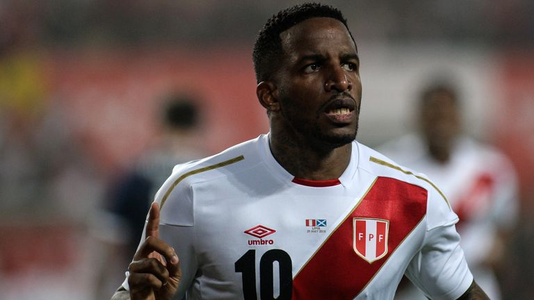 Peru's Farfan still in hospital after clash of heads
