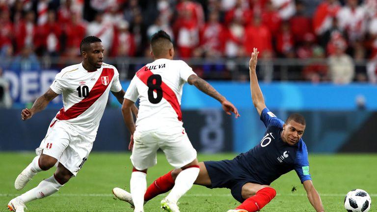 Peru's Jefferson Farfan ruled out after 'traumatic brain injury'