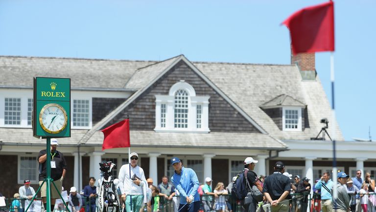 Dry and bright conditions are expected for all four tournament rounds