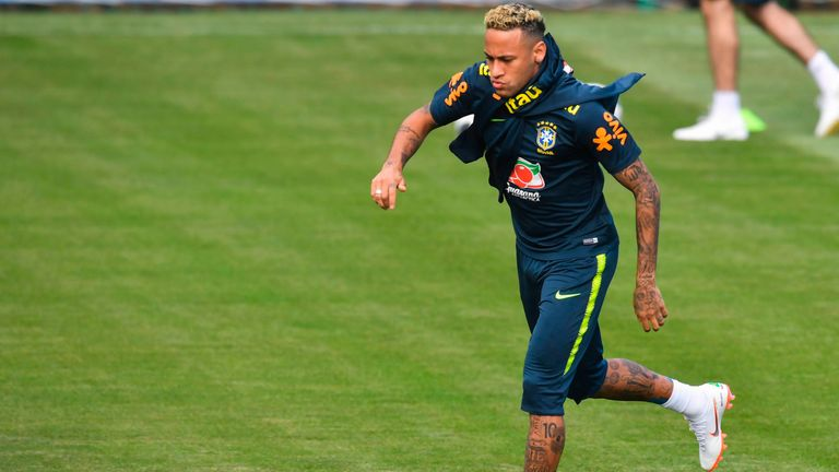 Neymar chops of spaghetti locks before Costa Rica game