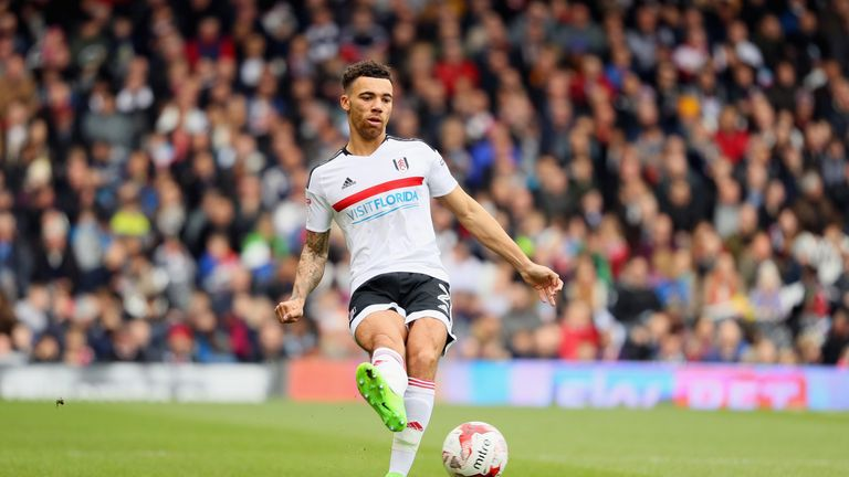 West Ham signed Fulham right-back Ryan Fredericks on a free transfer