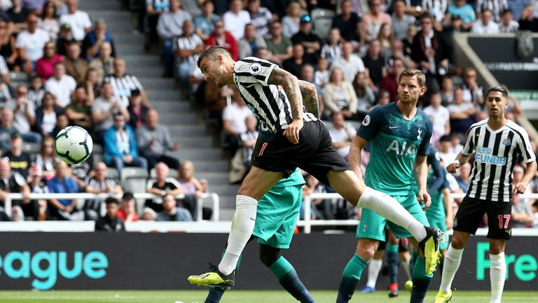 Joselu equalises for Newcastle just minutes after going behind