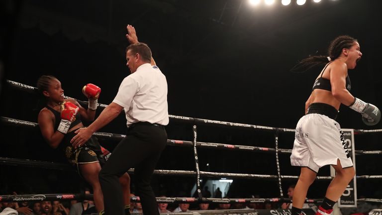Jonas falls to her first defeat in the paid ranks