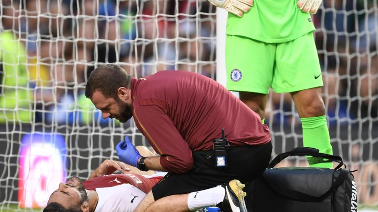 Arsenal full-back Sead Kolasinac sidelined for 10 weeks with knee injury