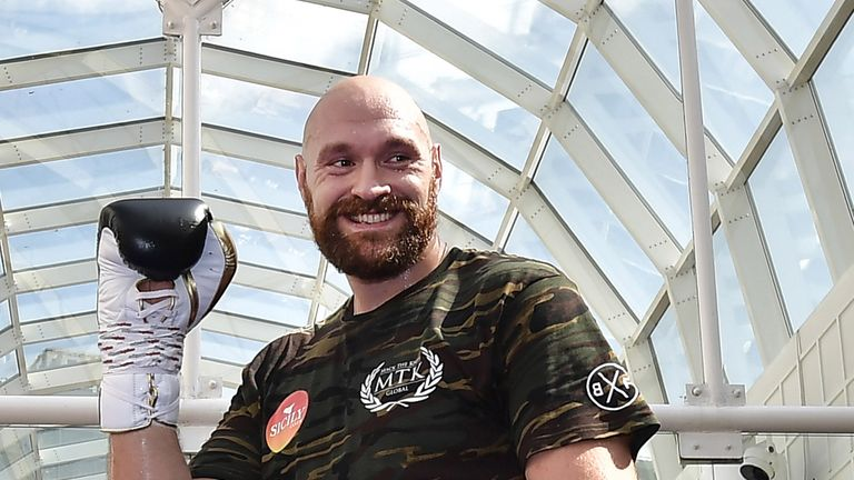 Tyson Fury Deontay Wilder - heavyweights ready for title clash