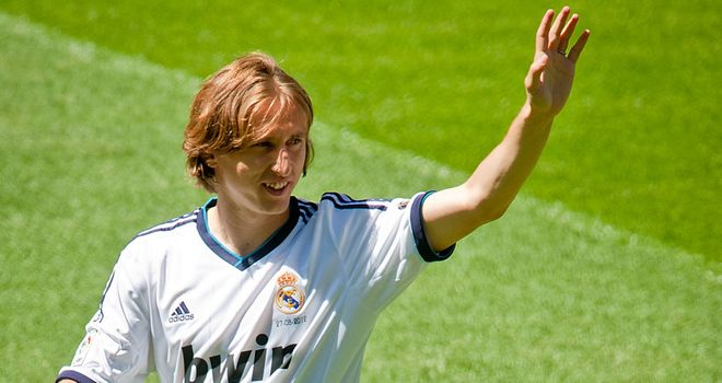 Arrived: Modric has finally joined Real
