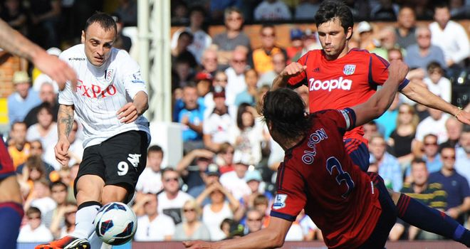 Dimitar Berbatov opens the scoring for Fulham on his home debut