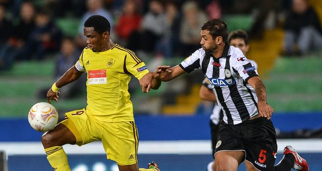 Danilo (R): Defender signs new Udinese contract until 2018