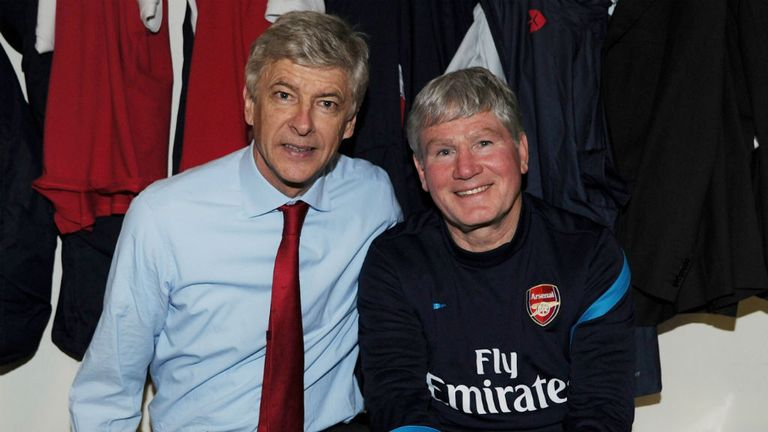 Arsene Wenger and Pat Rice in the Arsenal changing room