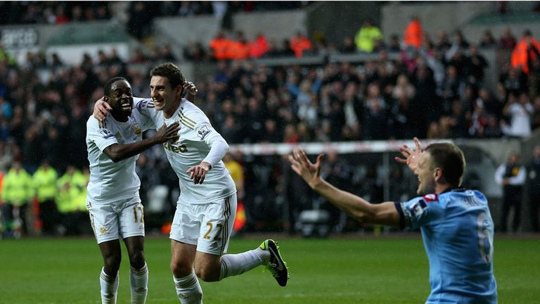 Pablo Hernandez: Celebrates putting his side back in command