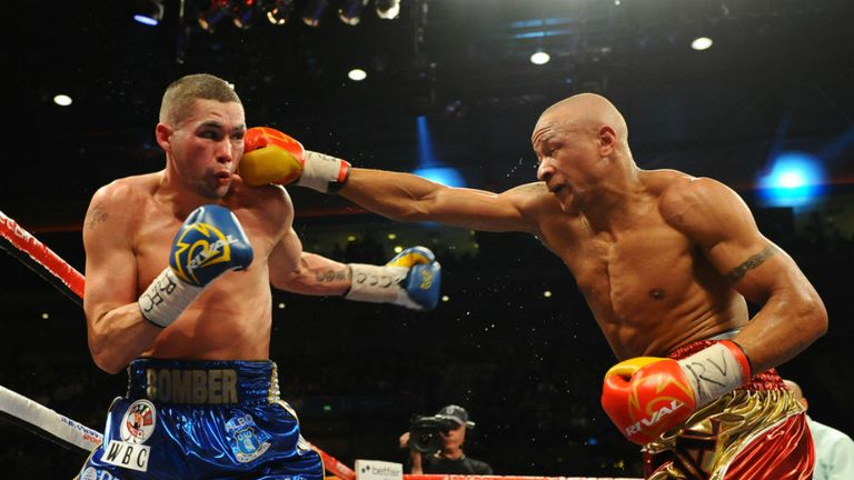 Tony Bellew (L): Was adamant he did enough to win (Image: leighdawneyphotography.com)