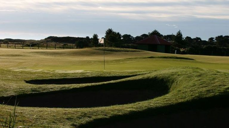 Favourite Hole: The 6th (Hogan's Alley), Carnoustie Golf Links