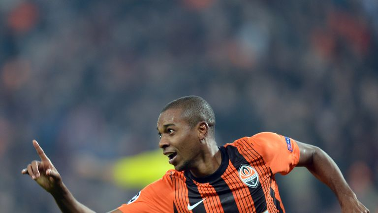 Fernandinho: Thought to have undergone a medical in Manchester