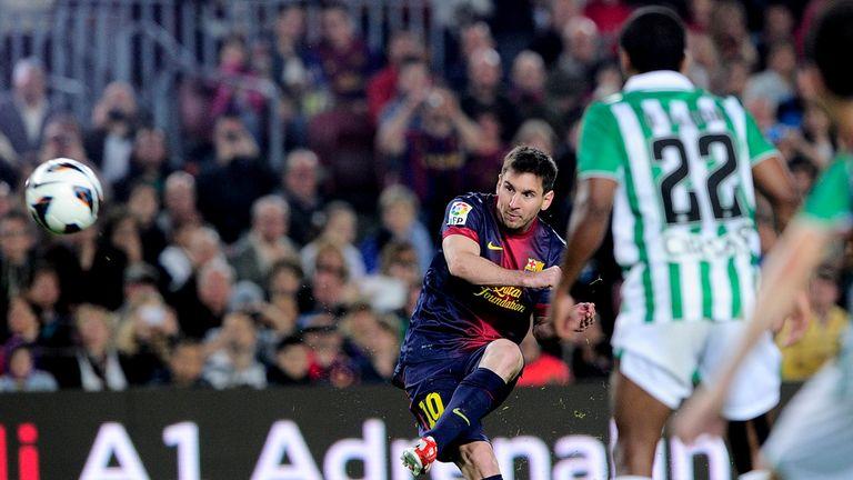 Lionel Messi scored 33 goals in 21 games in 2012/13